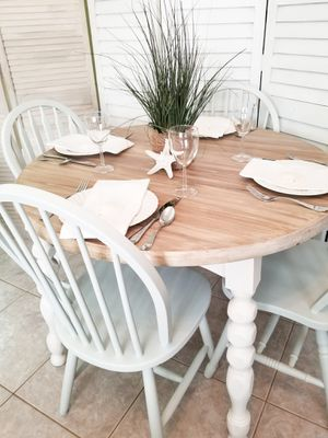 """Coastal 42"""" Round Wood Dining Room / Kitchen Table Set for Sale in Tarpon Springs, FL"""