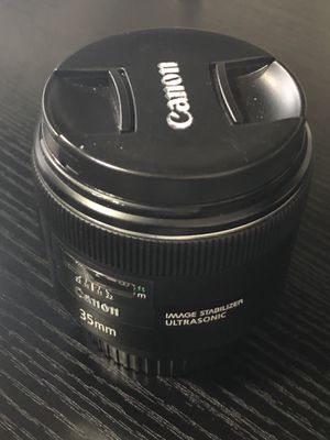 Canon 35mm F2 IS USM- excellent condition for Sale in Ellenwood, GA