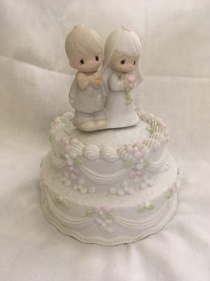 Precious Moments Wedding Cake topper for Sale in Staten Island, NY