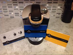KEURIG-MODEL SPECIAL EDITION/SIGNATURE B60 for Sale in Chicago, IL