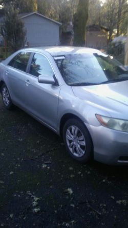 Toyota camry le clear title for Sale in Portland,  OR