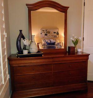 Dresser with Mirror for Sale in Rancho Santa Margarita, CA