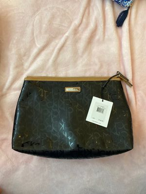 Calvin Klein makeup bag for Sale in Cleveland, OH