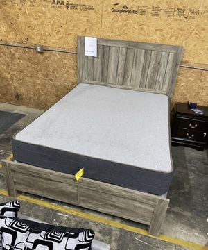 New Gray Rustic Oak Wood Bed Frame : Queen or King : Mattress Set Sold Separately : Box Spring Required for Sale in Berkeley, CA