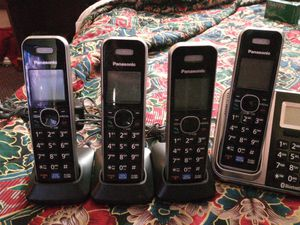 Panasonic KX-TG7874S DECT 6.0 Expandable Bluetooth Cordless Phones System with Caller ID and Digital Answering System - 4 Handset Pack for Sale in Albuquerque, NM