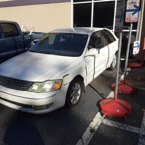 Salvage Parts 2004 Toyota Avalon Xls for Sale in Port St. Lucie, FL