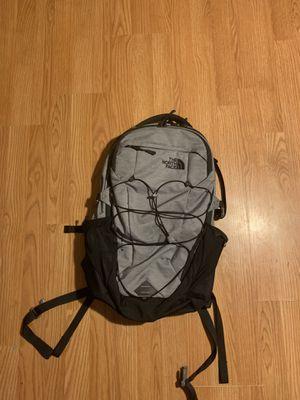North face backpack for Sale in Glenarden, MD