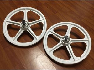 "New! 20"" SKYWAY tuff 2 mags/wheels (white) for GT/DYNO/HARO old school bmx for Sale in Temple City, CA"