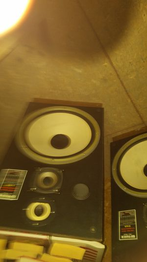 Pair of Fisher Speakers for Sale in Henderson, NV