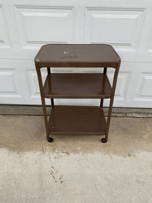 "VINTAGE METAL UTILITY CART W/ CASTER WHEELS (16""x22""x30""H for Sale in Corona, CA"