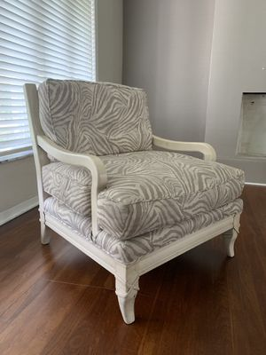 Beautiful light beige and gray animal print chair for Sale in Fort Lauderdale, FL