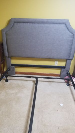 Queen headboard, platform bed frame for Sale in Lackawanna, NY