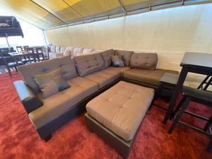 Sectional on sale with ottoman! for Sale in Bakersfield, CA