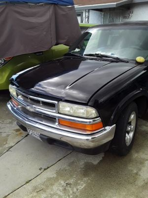 2001 S-10 Chevy truck for Sale in Norwalk, CA