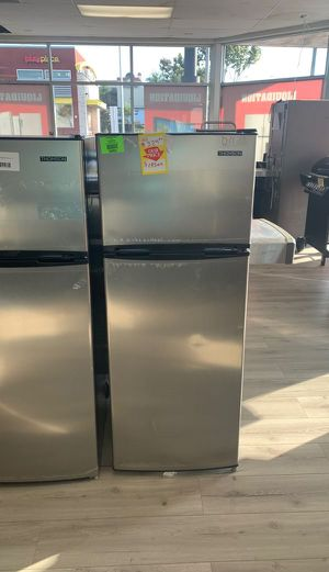 NEW THOMSON MINI FRIDGE WOTH TOP FREEZER SHY for Sale in Ontario, CA