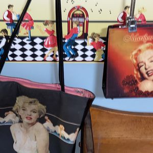 2 Marilyn Monroe Purses for Sale in Bellwood, IL