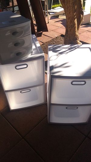 Plastic Drawers Set of 3 for Sale in Costa Mesa, CA