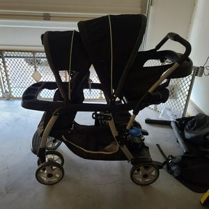 Graco Sit And Stand Double Stroller for Sale in North Las Vegas, NV