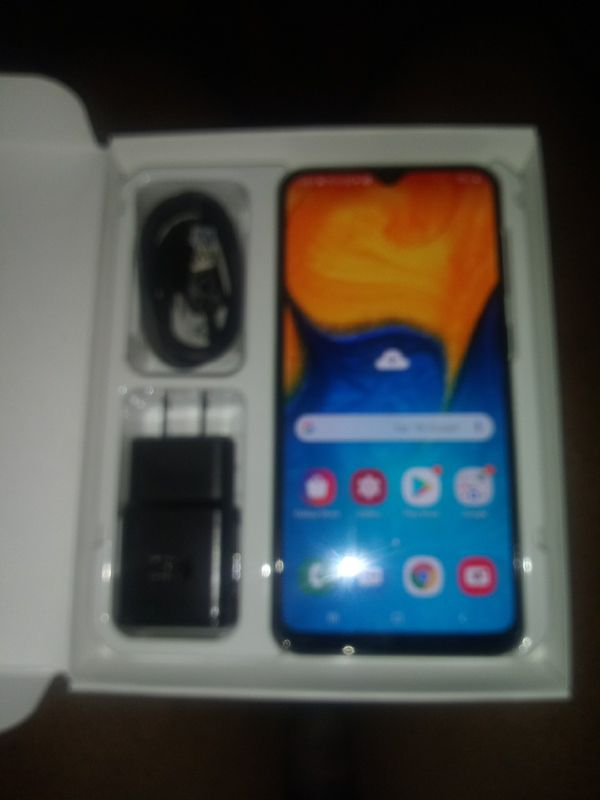 Samsung A20 32g (Brand New never activated )