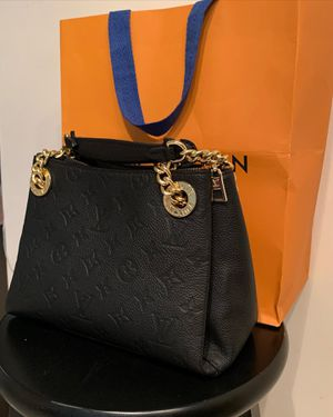 Women's Louis Vuitton bag for Sale in MARTINS ADD, MD
