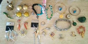 Take all antique vintage and sterling silver jewelry bundle for Sale in Port Neches, TX