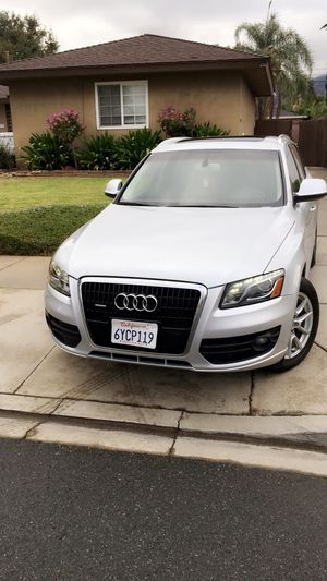 Audi q5 fully loaded clean title for Sale in Glendora, CA