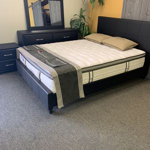 Queen size 4 piece bedroom set with Promotional mattress for Sale in Arlington, TX