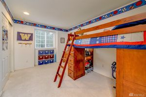 Loft Bed with desk , drawers and bookshelves! for Sale in Edmonds, WA