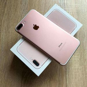 Iphone 7 Plus, Factory Unlocked..( Almost New Condition) for Sale in Springfield, VA
