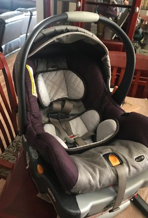 Chico keyfit 30 car seat and base for Sale in Albuquerque, NM