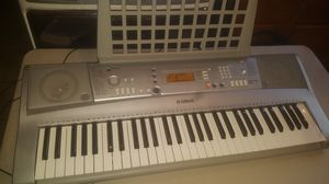 Yamaha YPT-300 Keyboard 61 keys for Sale in Chicago, IL