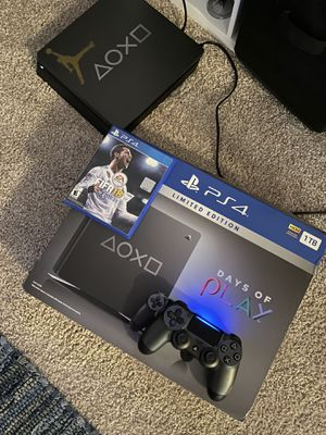 PS4 with FIFA 18 for Sale in Plantation, FL