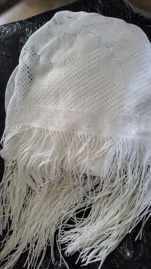 PRACTICALLY NEW WHITE COLOR WOMEN'S SHAW WITH FRINGE for Sale in Houston, TX