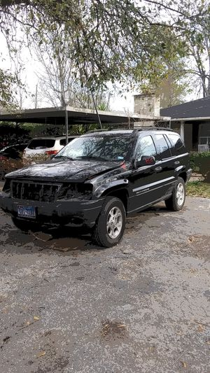 2001 jeep grand cherokee laredo 4.7l (does not run) for Sale in Houston, TX