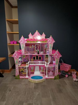 Doll house for Sale in Elgin, IL