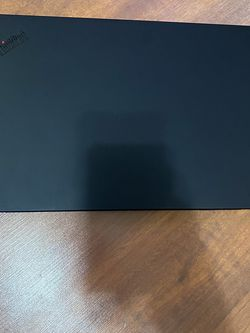 Lenovo thinkpad x1 6th gen i7 6th generation 512 ssd QHD graphic in 10 month Lenovo warranty left for Sale in Queens,  NY