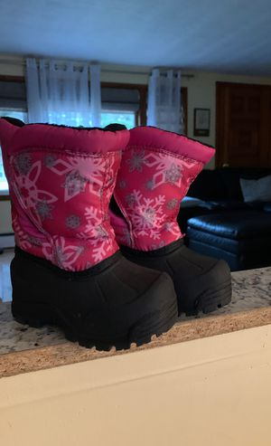 Girls Snow Boots size 5t for Sale in Nashua, NH