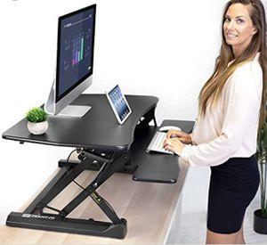 Rise up computer desk for Sale in Dallas, TX