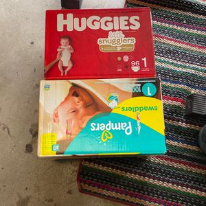 Pampers And Hughies for Sale in Fresno, CA