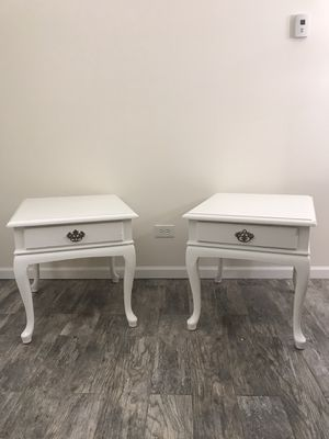 Matching White Vintage End Tables for Sale in Palos Heights, IL