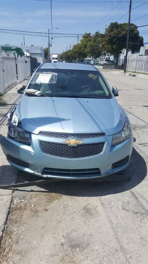 2013 Chevy CRUZE for parts for Sale in Miami, FL