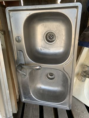 Different sinks for Sale in Corcoran, CA