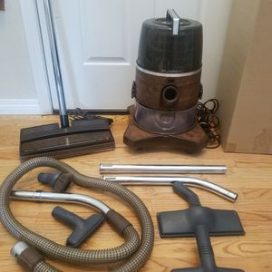 NEW cond RAINBOW PN2 VACUUM WITH COMPLETE ATTACHMENTS, AMAZING POWER SUCTION, WORKS EXCELLENT, IN THE BOX for Sale in Auburn, WA