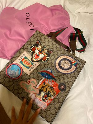 Gucci Crossbody Bag for Sale in Long Beach, CA