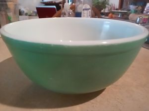 Vintage (1970s) Pyrex mixing bowl for Sale in Kansas City, MO