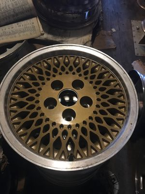 "Jeep wheel gold factory web 15"" for Sale in South Farmingdale, NY"