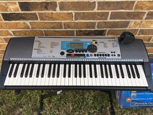 Yamaha psr-225gm keyboard with stand and music back holder for Sale in Garland, TX
