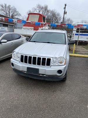 2005 Jeep 112,000 miles runs and drives excellent for Sale in Valley View, OH