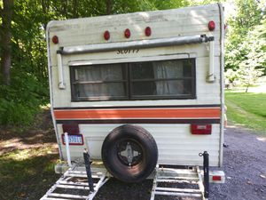 Pull behind Scottys camper. Needs work for Sale in Romulus, MI