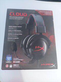 Gaming headphones new for Sale in Las Vegas, NV